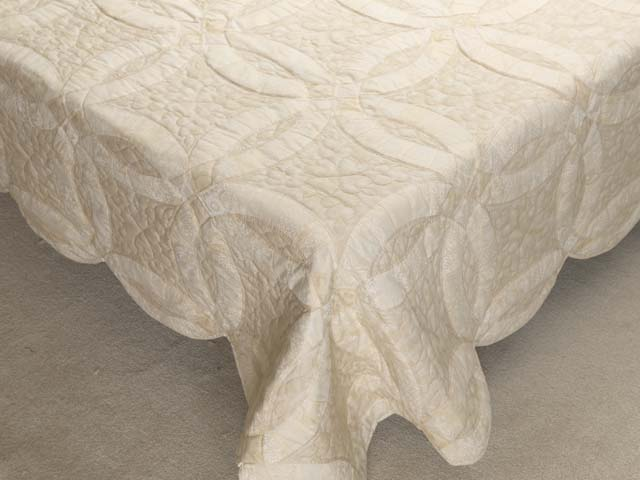 All-Neutrals Double Wedding Ring Quilt Photo 7