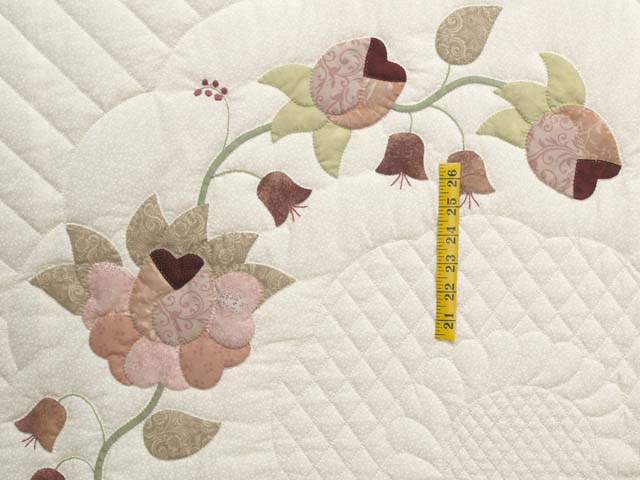 King Dusty Rose Green and Cream Heart of Roses Quilt Photo 4