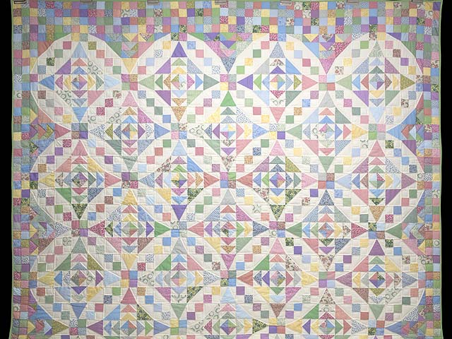 Pastel Faceted Jewel Quilt Photo 2
