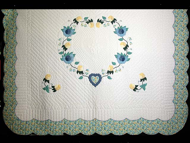 King Blue and Yellow Heart of Roses Quilt Photo 3