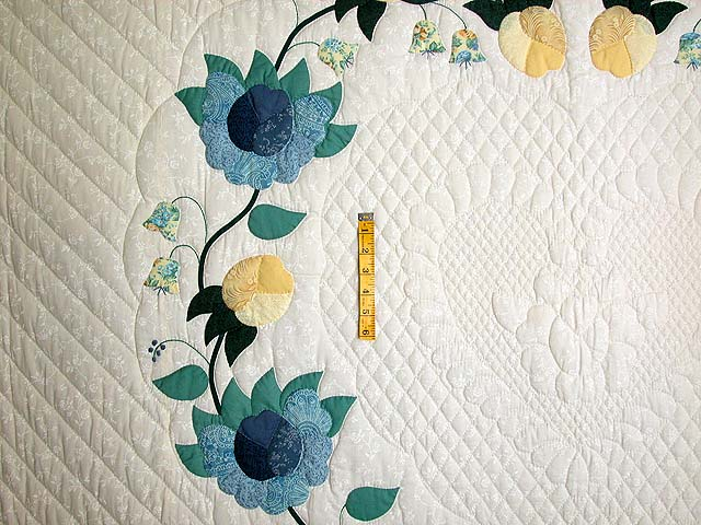 King Blue and Yellow Heart of Roses Quilt Photo 5