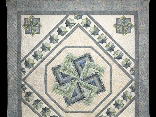 Batik Neutrals and Green Star Spin Quilt Photo 2