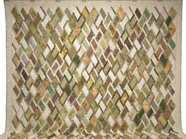 King Batik Green Gold and Cream Diamond Jubilee Quilt Photo 2