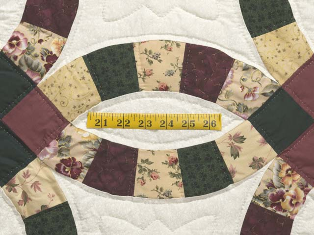 Rose Green and Tan Double Wedding Ring Quilt Photo 5