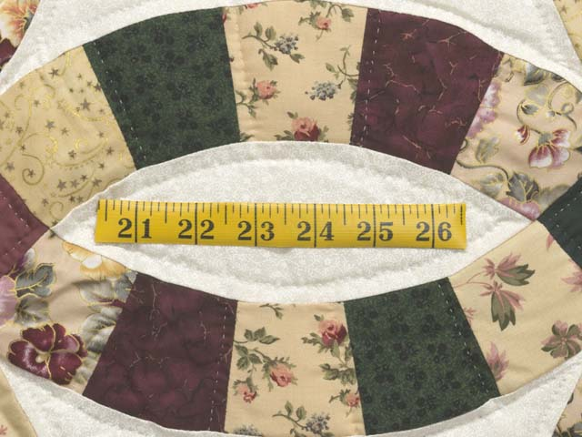 Rose Green and Tan Double Wedding Ring Quilt Photo 6