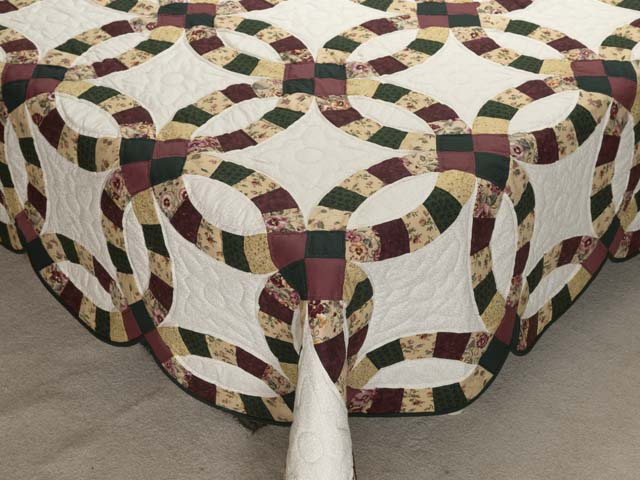 Rose Green and Tan Double Wedding Ring Quilt Photo 7