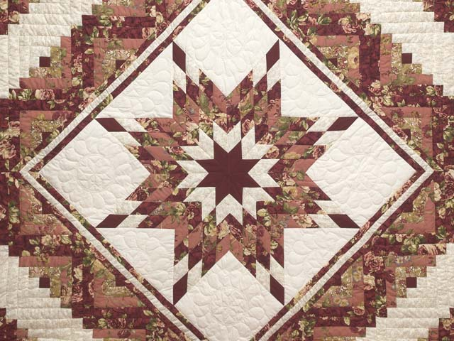 Rose and Cream Lone Star Log Cabin Quilt Photo 3