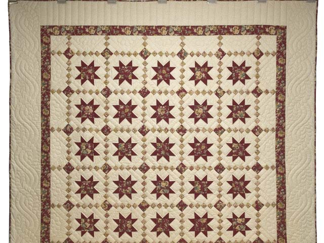 Red Gold and Cream Cross Country Quilt Photo 2