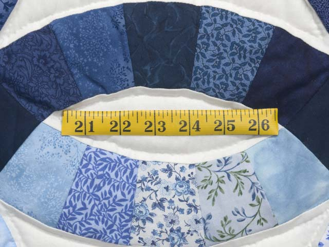 Blue Navy and Cream Double Wedding Ring Quilt Photo 6