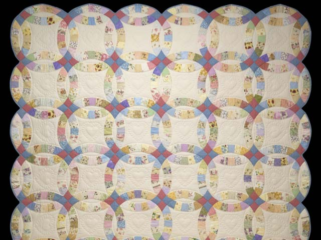 King Pastel Double Wedding Ring Quilt Photo 2