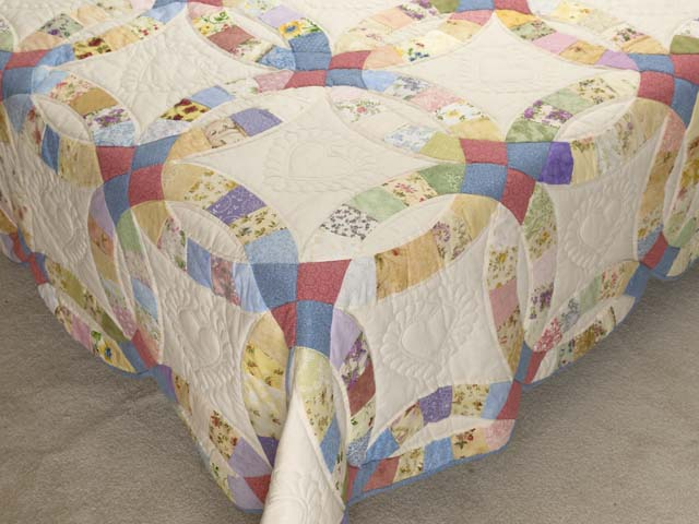 King Pastel Double Wedding Ring Quilt Photo 7
