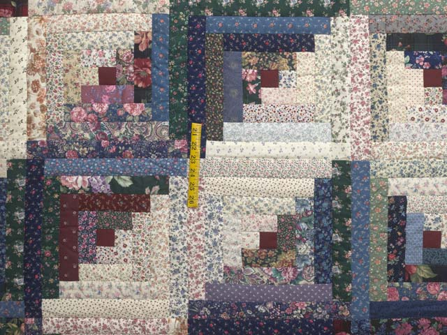Scrappy Log Cabin Quilt Photo 4