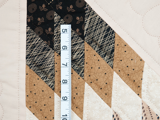 Black, Gold and Beige Maryland Star Quilt Photo 6