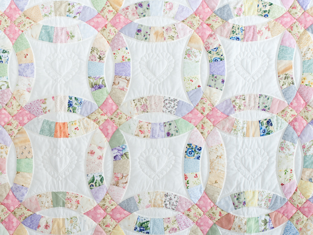 King Floral Pastel Double Wedding Ring Quilt Photo 3