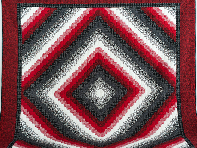King Red Black and White Ocean Wave Quilt Photo 2