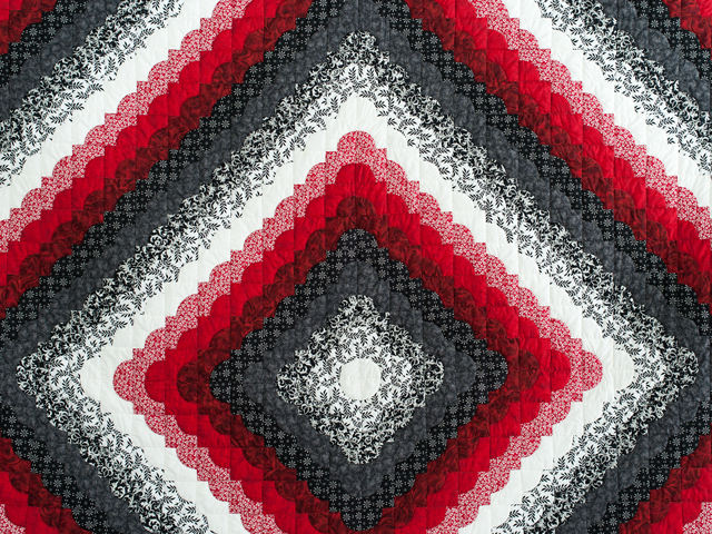King Red Black and White Ocean Wave Quilt Photo 3
