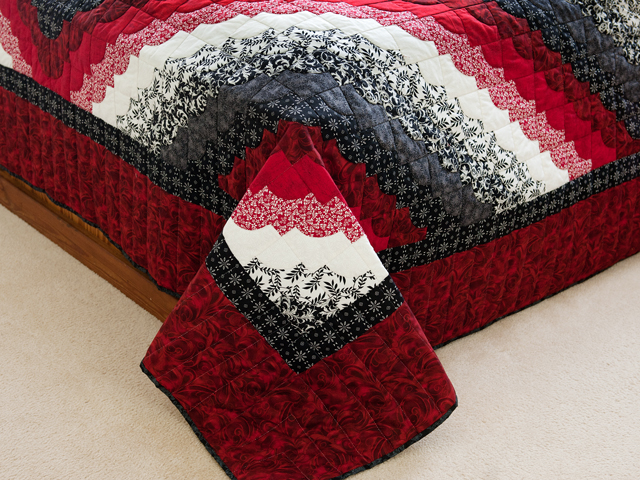 King Red Black and White Ocean Wave Quilt Photo 7