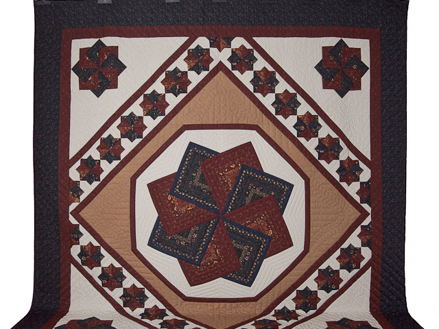 Queen Navy Burgundy and Tan Star Spin Quilt Photo 2