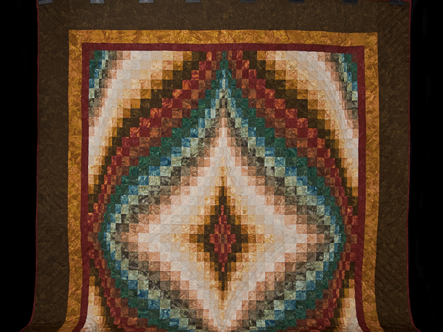 Queen size Hand Painted Diamond Bargello Quilt Photo 2