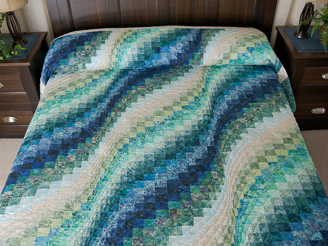 Queen Size Bargello Wave Quilt Photo 1