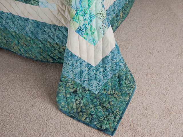 Queen Size Bargello Wave Quilt Photo 7