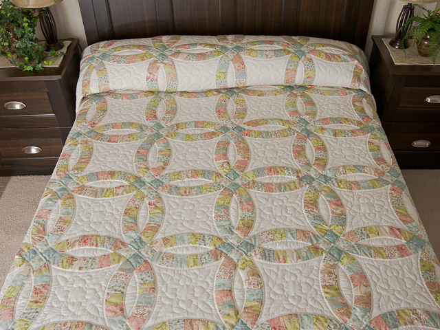 Pastel Double Wedding Ring Quilt King Size Photo 1