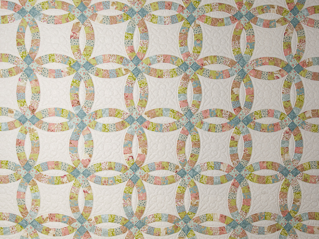 Pastel Double Wedding Ring Quilt King Size Photo 3