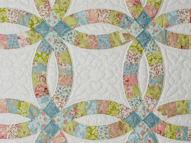 Pastel Double Wedding Ring Quilt King Size Photo 5