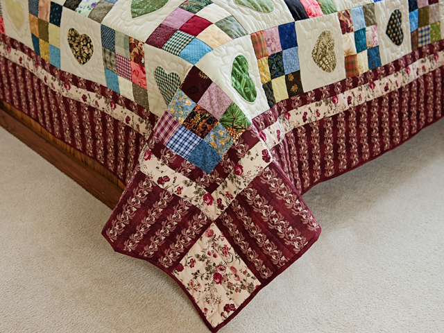 Red and Multicolor Hearts and Nine Patch Quilt Photo 7