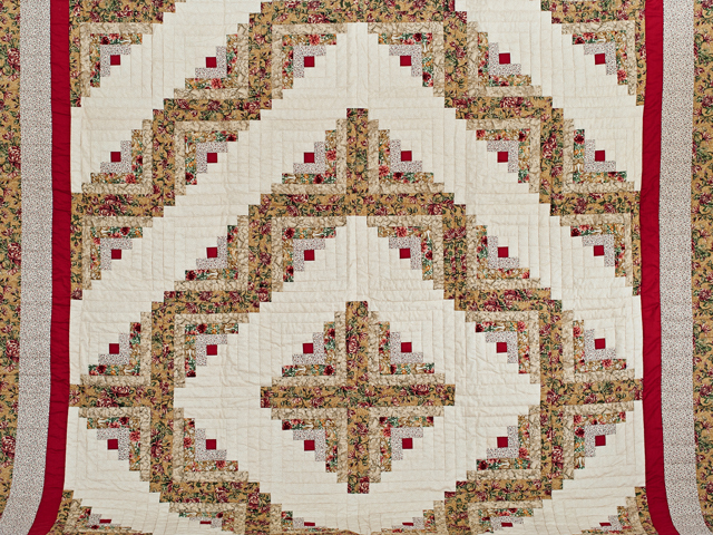 Red and Tan Log Cabin Quilt Photo 2