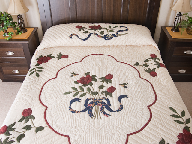 King Size Lancaster Treasure Quilt Photo 1
