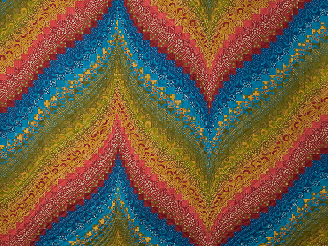 Bargello Flame Quilt Queen Size Photo 3