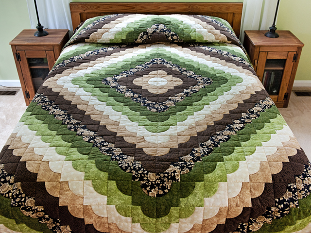 Queen Moss Green and Brown Ocean Wave Quilt Photo 1