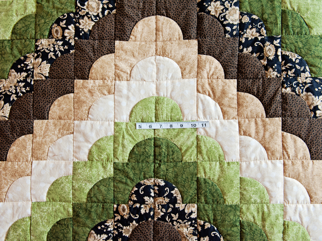 Queen Moss Green and Brown Ocean Wave Quilt Photo 4