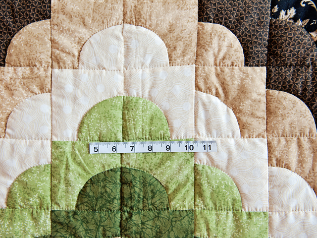 Queen Moss Green and Brown Ocean Wave Quilt Photo 5