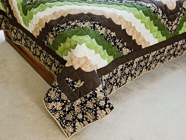 Queen Moss Green and Brown Ocean Wave Quilt Photo 7