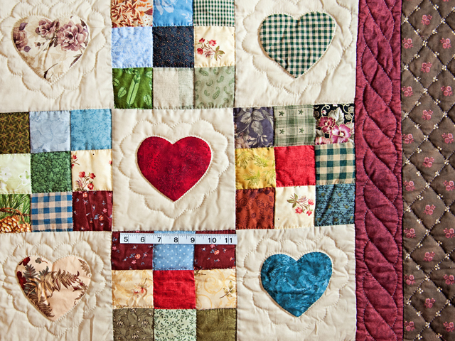 Queen Multi-Color Hearts and Nine Patch Quilt Photo 4