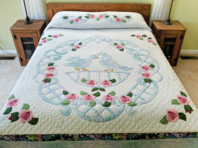 Doves and Roses Wedding Quilt Photo 1