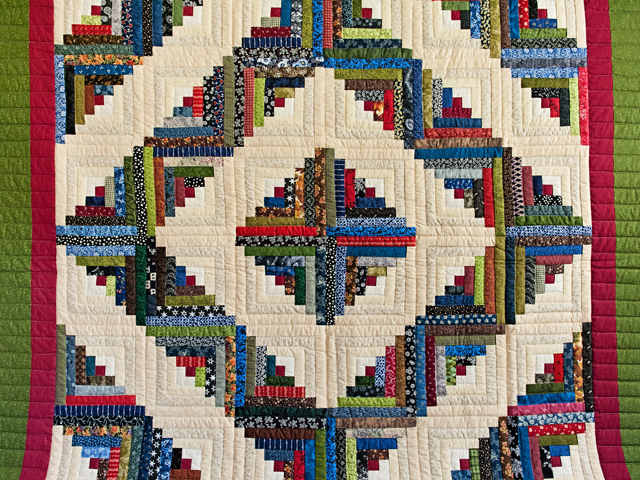 Multicolor Traditional Log Cabin Quilt Photo 3