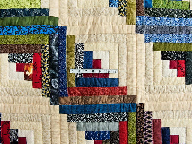 Multicolor Traditional Log Cabin Quilt Photo 4