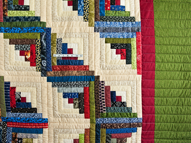 Multicolor Traditional Log Cabin Quilt Photo 5