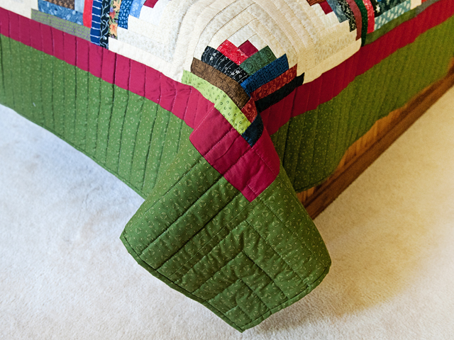Multicolor Traditional Log Cabin Quilt Photo 7