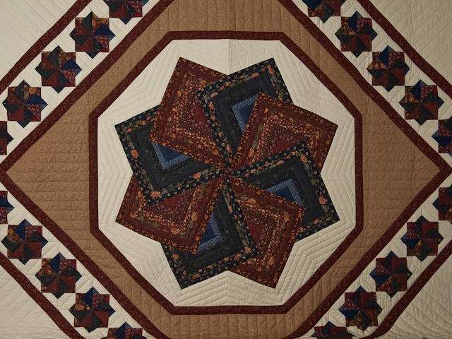 Queen Navy Burgundy and Tan Star Spin Quilt Photo 3