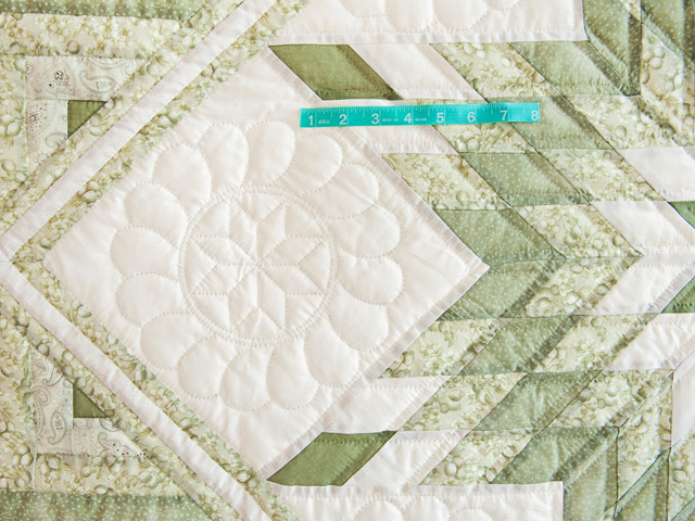 Soft Greens  and Cream Lone Star Log Cabin Quilt Photo 5