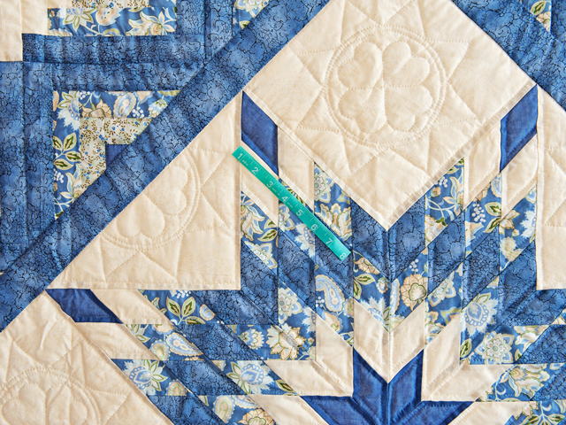 Blue Green Yellow Lone Star Log Cabin Quilt Photo 5