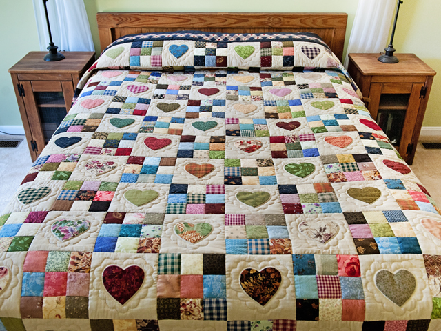 King Navy and Multicolor Hearts and Nine Patch Quilt Photo 1