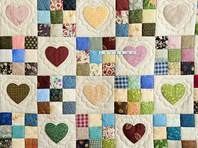 King Navy and Multicolor Hearts and Nine Patch Quilt Photo 4