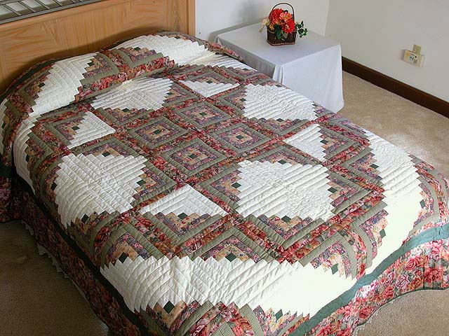 Sage and Pressed Flowers Log Cabin Star Quilt Photo 1