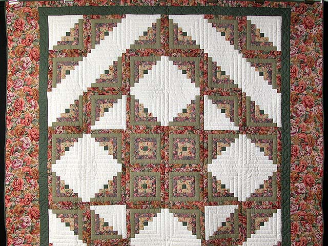 Sage and Pressed Flowers Log Cabin Star Quilt Photo 2
