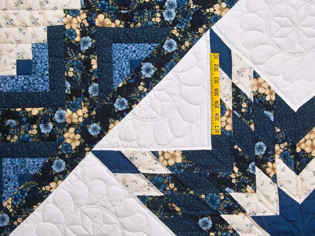 Navy Blue and Cream Lone Star Log Cabin Quilt Photo 4